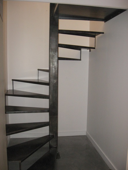 escalier-metal-brut